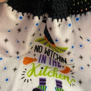 Kitchen towel toppers